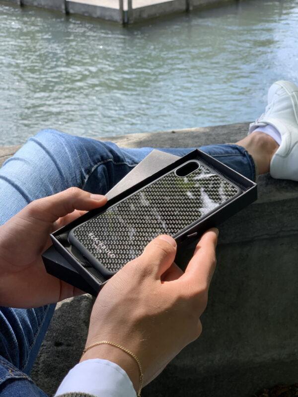 ACTION Produktbild NEU Carbon Handyhüllen